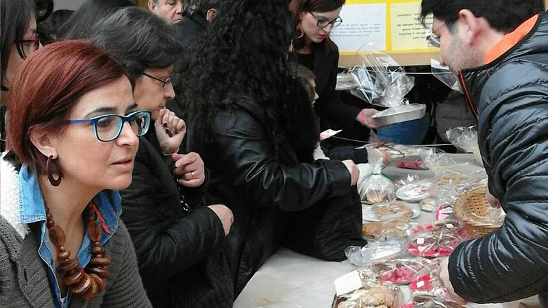 """La Tavola Di San Giuseppe"" Ai Serroni. Pensando Ai 'senzatetto'"