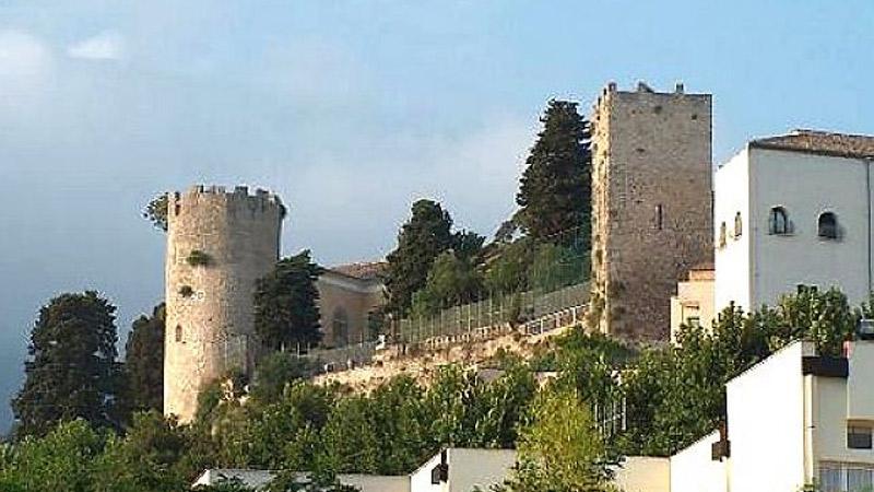 Al Castello Colonna Con L'ICATT Di Eboli Per Riscoprire L'arte