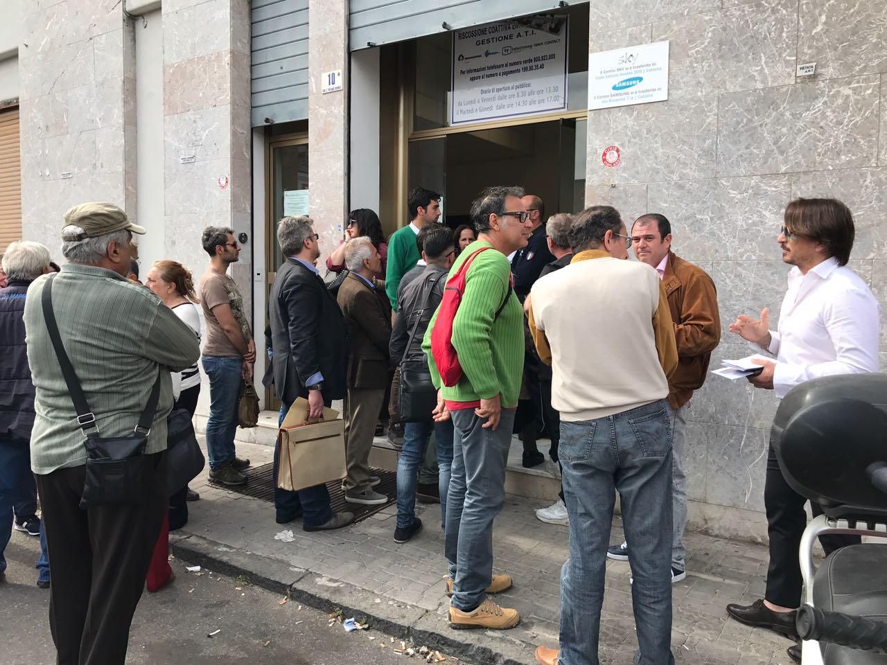 In Fila Per I Tributi: Il Comune Di Salerno Limita Gli Accessi Agli Uffici