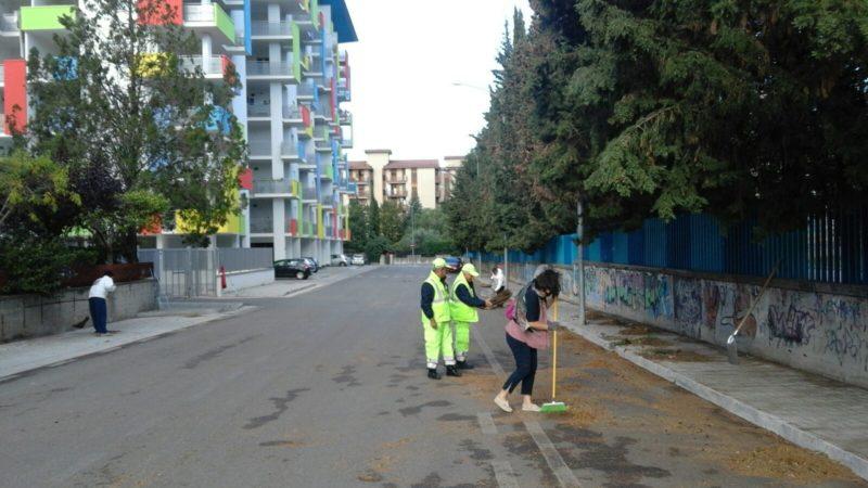 Con Scopa E Paletta In Strada: CS Raccoglie L'invito Del Comune