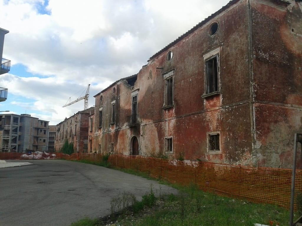 Casoni Doria Di S. Lucia: Oltre Il Degrado L'indifferenza