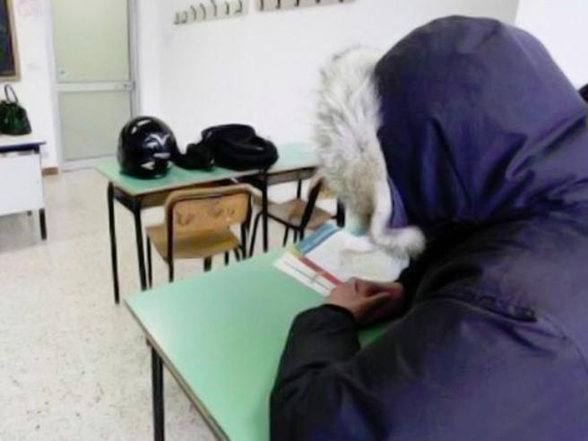 Troppo Freddo In Aula: Il Sindaco Cariello Ordina La Chiusura Della Scuola Di S. Cecilia