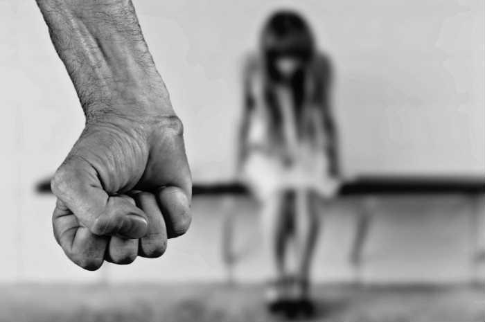 Spiegare La Violenza Di Genere: Un'analisi Sociologica Tra Riflessioni Ed Esperienze