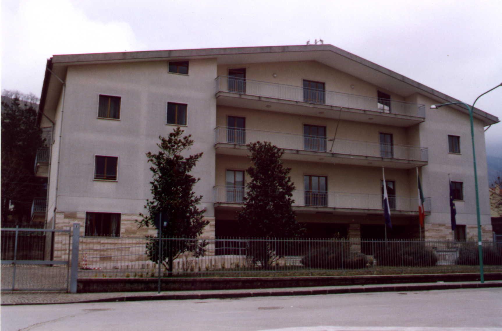 Per Potenziare L'ospitalità Alberghiera Locale: Il Problema Della Gestione Dell'Ostello Della Gioventù Ad Acerno